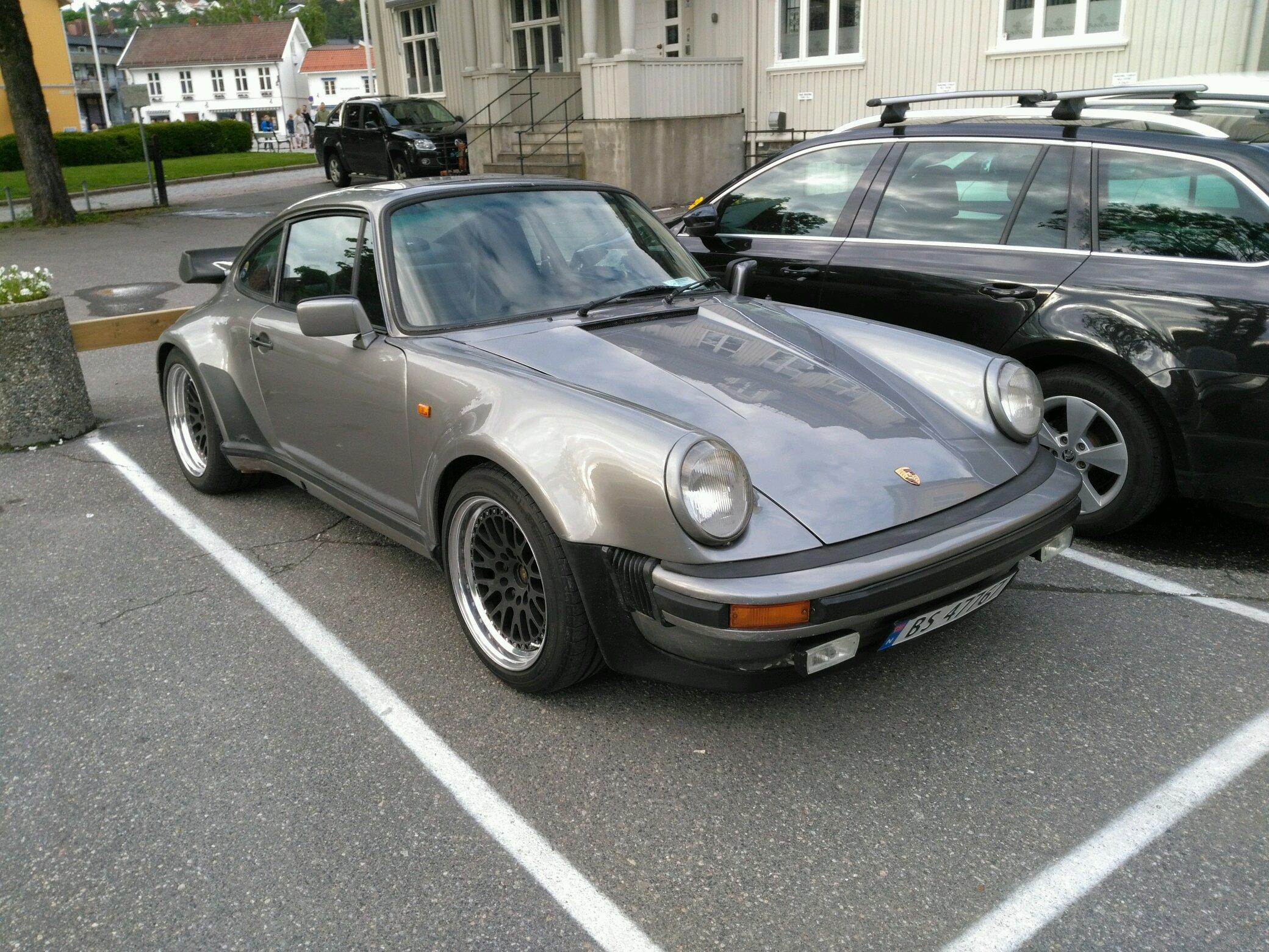 A Nice Old Porsche