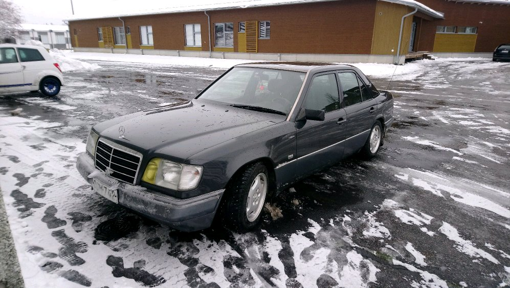 Thoughts on my friends Mercedes-Benz 250D, with a turbo from a OM606