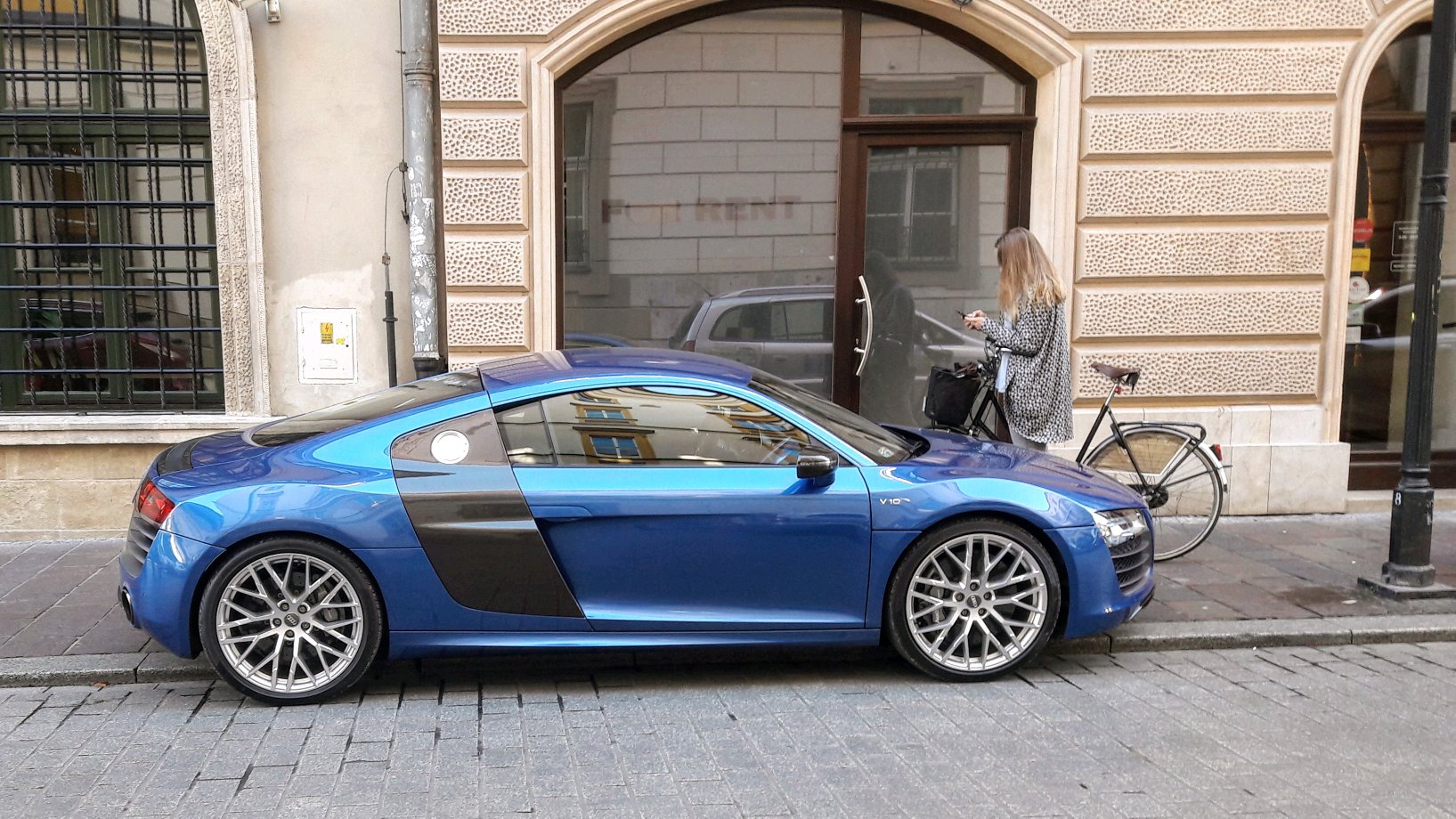 Audi R8 V10 And A Bmw I8 In The Background