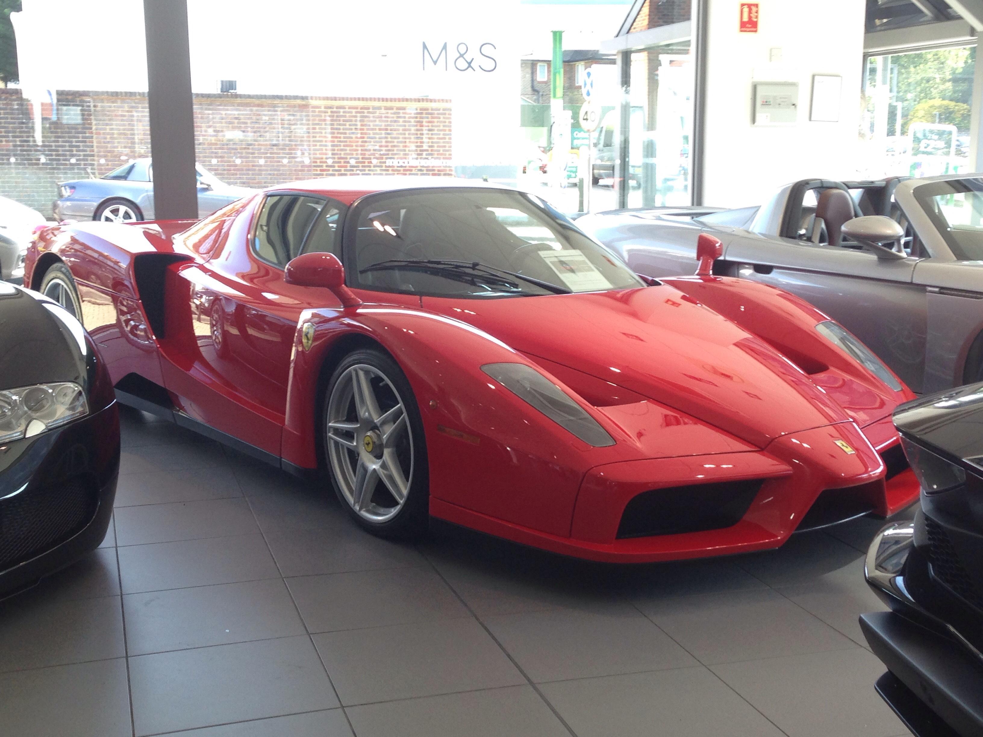 Bestspot A Ferrari Enzo Bugatti Veyron Porsche Carrera Gt And