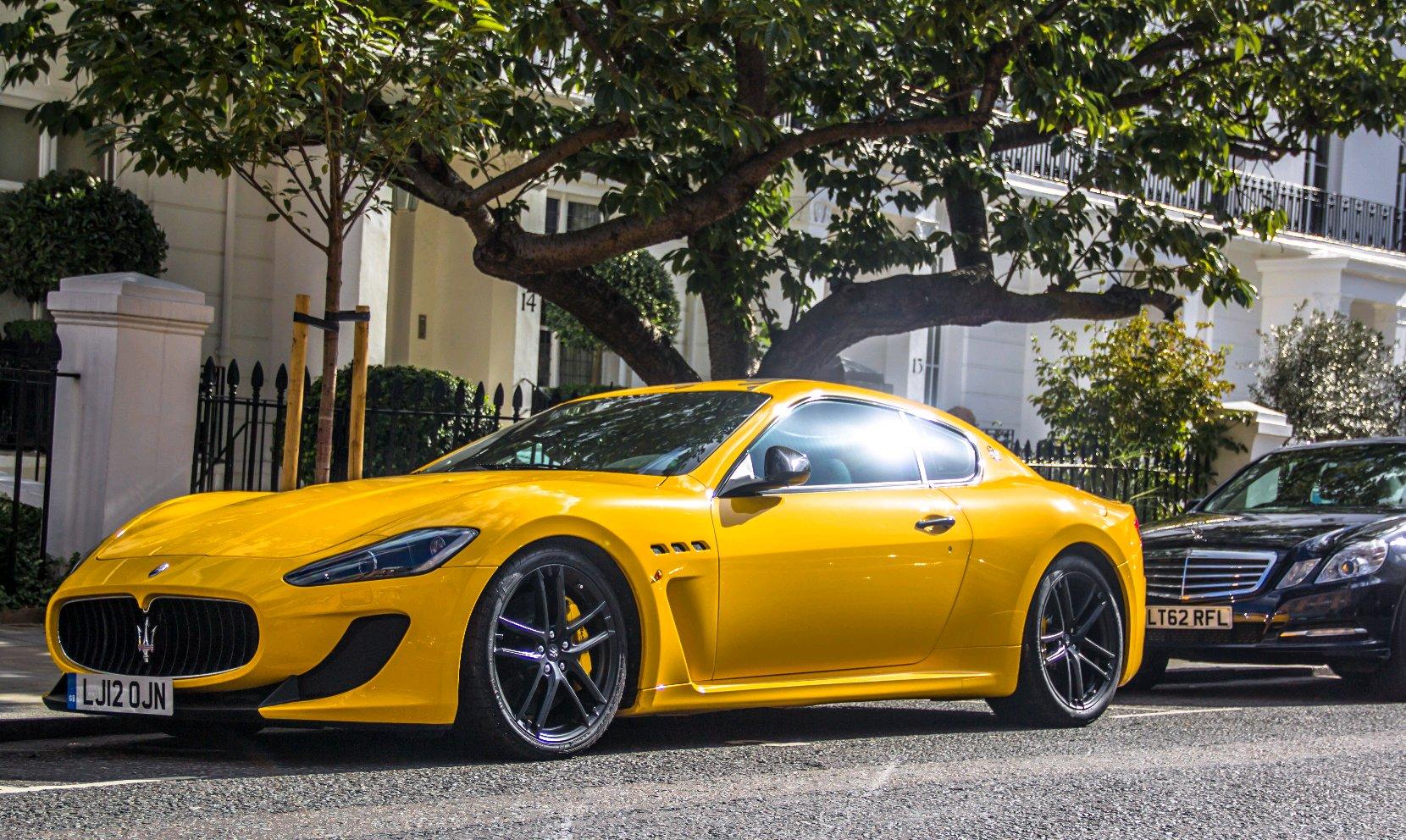 Maserati Granturismo Mc Vs Ferrari California